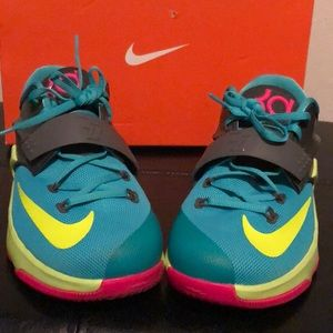 Cute pink & turquoise KD VII